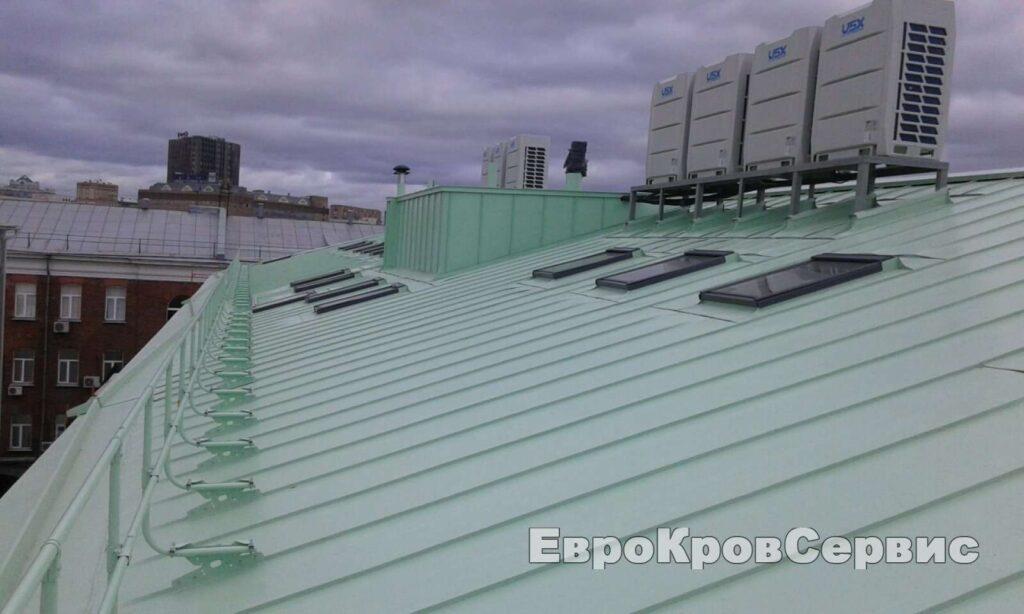 Монтаж фальцевой кровли на Новой Басманной улице в Москве